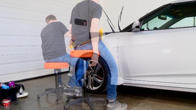 Black Bull ARSEAT Adjustable Mechanic Hydraulic Roller Seat