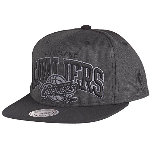 Mitchell & Ness Cleveland Cavaliers Resist Arch Black Under Snapback Cap EU719