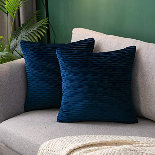 Hanrunsi Cushion Covers 45cm x 45cm Velvet Soft Decorative Square Throw Pillow Cover Dark Blue Velvet Cushions for Sofa Couch with Invisible Zipper Set of 2