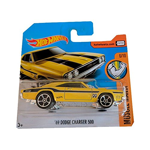 Hot Wheels \'69 Dodge Charger 500 Yellow Muscle Mania 2017 Short Card