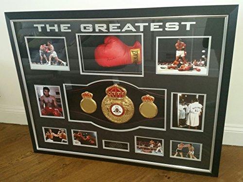 Sehr seltene Boxhandschuh, signiert von Muhammad Ali, WORLD CHAMPION-Gürtel