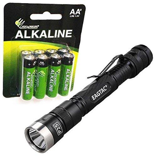 Eagletac P25A2 Lampe torche LED 470 lumens avec 8 piles alcalines Eco-Sensa Premium AA