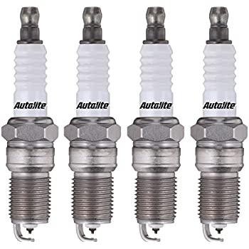 Box Of 4 Autolite Platinum Spark Plugs  AP105