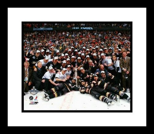 2006/07 Anaheim Ducks Framed 8x10 Photo - Stanley Cup Champions Team Shot