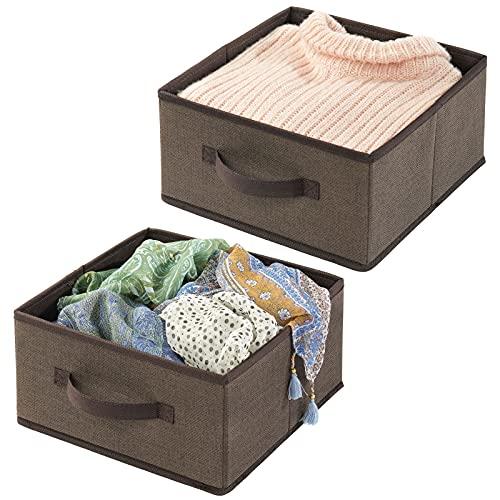mDesign Set da 2 Scatole per armadi in tessuto sintetico – Scatola contenitore per biancheria, vestiti e accessori – Pratico organizer per armadio con maniglia – marrone