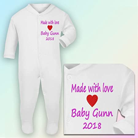 Sleepsuit in White 0-3 Months Embroidered Hot Pink Thread I Love My Mummy /& Daddy