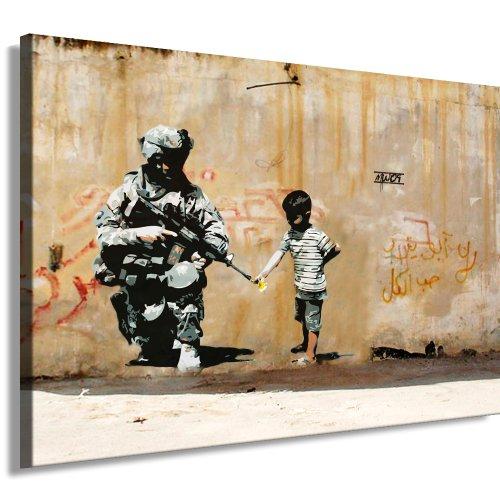 fotoleinwand24 Pyramid International - Stampa su Tela Banksy, 120 x 80 cm Stampa già montata sul Telaio. Pop Art - Quadro da Parete, Soggetto: Banksy 200