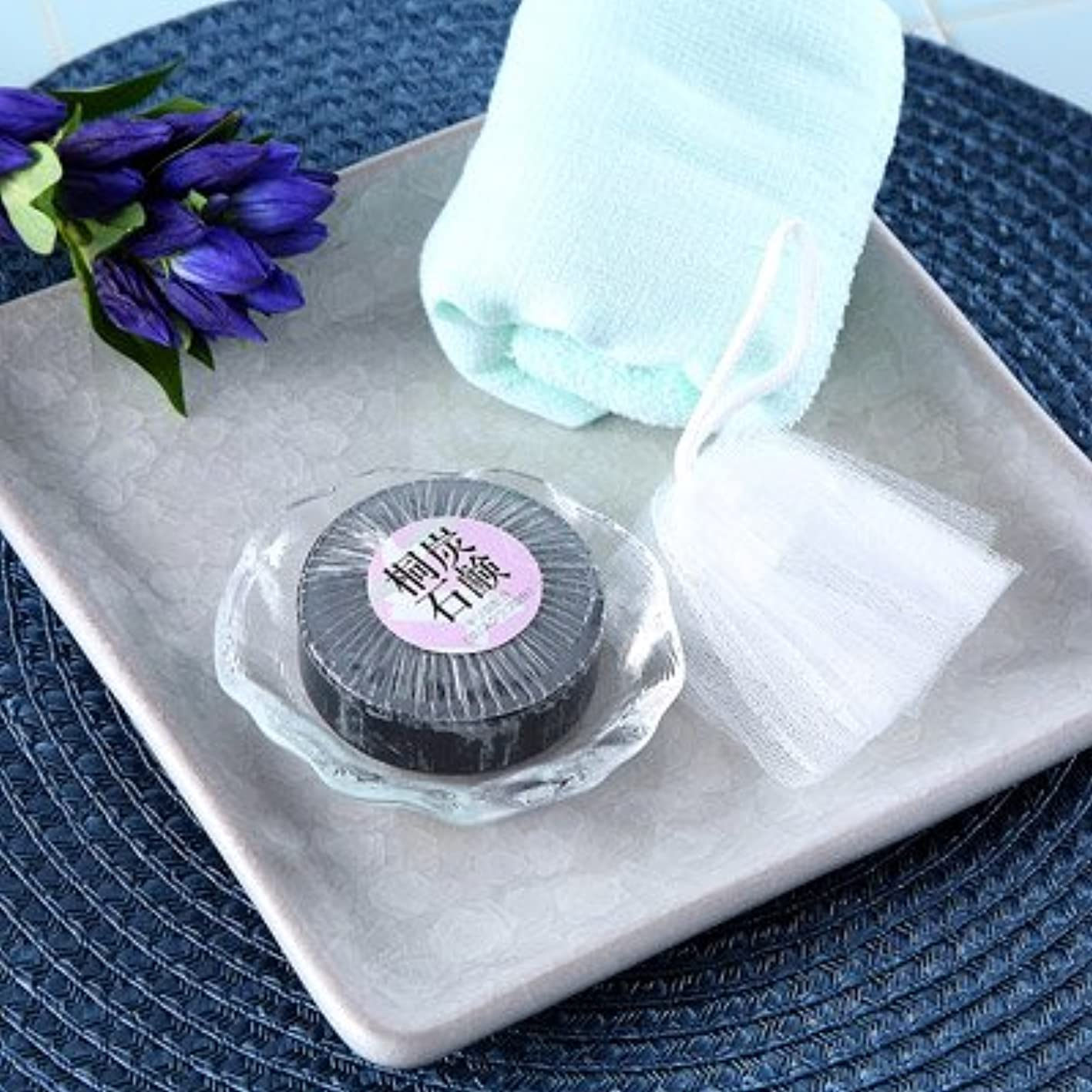 優れたきらめき一般的に言えば明治33年創業の桐製品の老舗が贈る お肌にやさしい桐炭石鹸