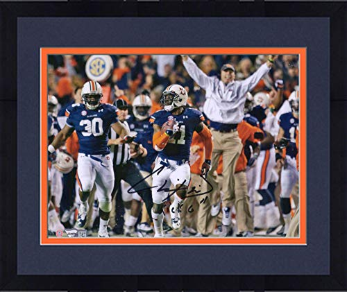 Framed Chris Davis Auburn Tigers Autographed 8'' x 10'' Looking Back Photograph with