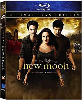 The Twilight Saga: New Moon (Ultimate Fan Edition Blu-ray with Lenticular Packaging & Bonus Footage) [Blu-ray]