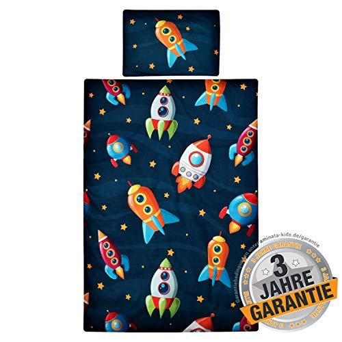 Aminata Kids süßes Bettwäsche-Set Weltall Jungen 100x135 cm + 40 x 60 cm aus Baumwolle mit Reißverschluss, unsere Kinderbettwäsche mit Galaxie, Raketen & Weltraum-Motiv ist weich & kuschelig, Sterne
