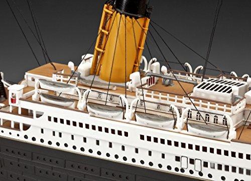 """Revell Modellbausatz Schiff 1:400 – Geschenkset """"100 Jahre TITANIC"""" im Maßstab 1:400, Level 5, originalgetreue Nachbildung mit vielen Details, Kreuzfahrtschiff, 05715 - 4"""