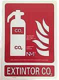 Señal de extintor de CO2 luminiscente clase B. PVC...