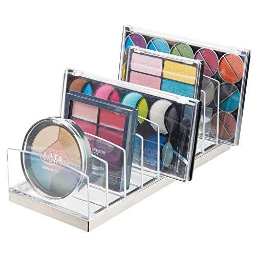 mDesign Organizador de maquillaje en plástico – Clasificador con 9 compartimentos para organizar maquillaje – Bandeja organizadora para lavabo, tocador o armario – transparente/plateado