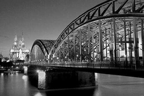 1art1 Köln - Hohenzollernbrücke Und Kölner Dom Bei Nacht S/W Selbstklebende Fototapete Poster-Tapete 180 x 120 cm