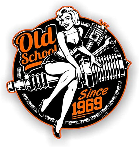 Old School Retro Pin-Up meisje jaar gedateerd 1969 Roundel motorfiets Vintage 50 thema ontwerp Vinyl auto Sticker Decal 90x85mm