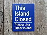 43LenaJon Señal de isla cerrada con pantalla rústica con estampado de bomba de gas, signo de la isla Ocean Vintage Travel Automotive l Gasolinera costera