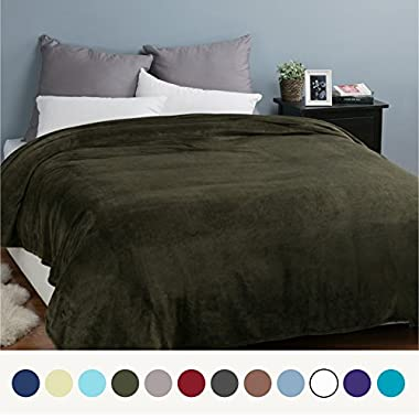 Bedsure Flannel Fleece Luxury Blanket Olive Green King Size Lightweight Cozy Plush Microfiber Solid Blanket