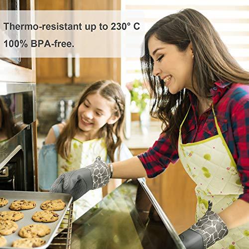 Foto von Gesentur Ofenhandschuh, Topfhandschuhe Anti-Rutsch Hitzebeständige Silikon und Baumwolle 1 Paar und 2 Topflappen (Gray)