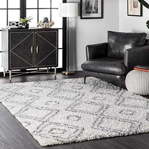 nuLOOM Iola Soft & Plush Shag Area Rug, 7' 10' x 10', White