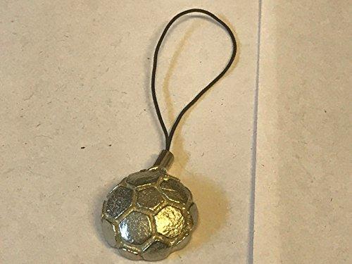 Ballon de football Grand format 2.1 cm x 2.1 cm solide Tg180 fabriqué à partir de moderne en étain anglais Pendentif téléphone Postées par nous cadeaux pour tous 2016 à partir de Derbyshire britannique...