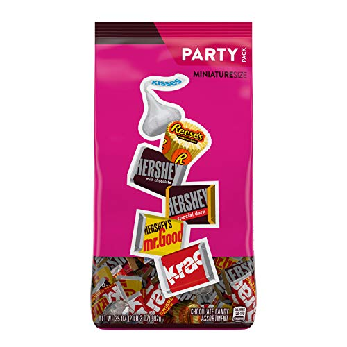 Hershey's Chocolate Halloween Candy Assortment (Kisses, Reese's, and Hershey's Miniatures), Bulk Bag, 35 Ounce