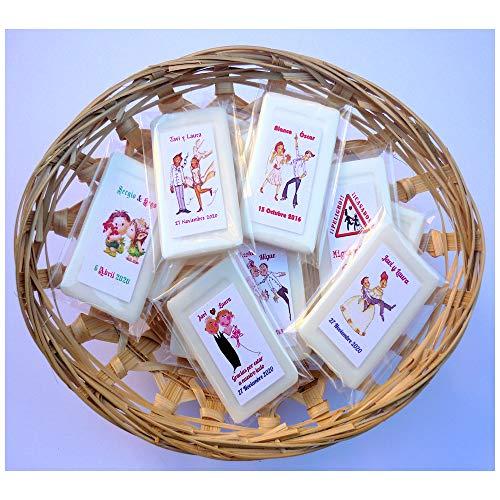 Detalles y Recuerdos de Boda Para Invitados - Jabones Personalizados de Té Verde - Un Original Regalo Para Amigos y Familiares - 50 Jaboncitos Personalizados y 2 Cestos.