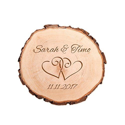 Casa Vivente Baumscheibe mit Gravur zur Hochzeit – Motiv Herzen – Personalisiert mit Namen und Datum – Türschild und Wand-Deko – Hochzeitsgeschenke für Brautpaar – Geschenkidee Jahrestag