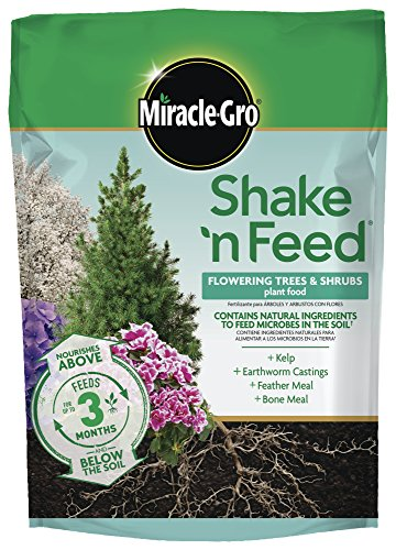 Miracle-Gro Shake 'N Feed Flowering Trees and Shrubs Continuous Release Plant Food, 8 lb