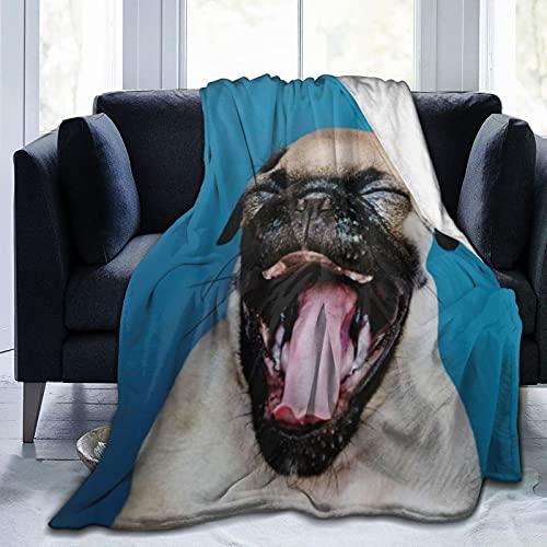 KENADVI Manta de forro polar supersuave, adorable cachorro de carlino, cálida y acogedora manta de...