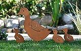 Dekoleidenschaft Gartenstecker Entenfamilie aus Metall im Rost Design, Mutter + 3 Enten Küken, Gartendeko