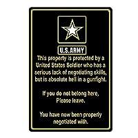 兵士によって保護されたプロパティアメリカ陸軍おかしいティンサイン金属サイン金属装飾壁サイン壁ポスター壁装飾ドアプラークTINサイン