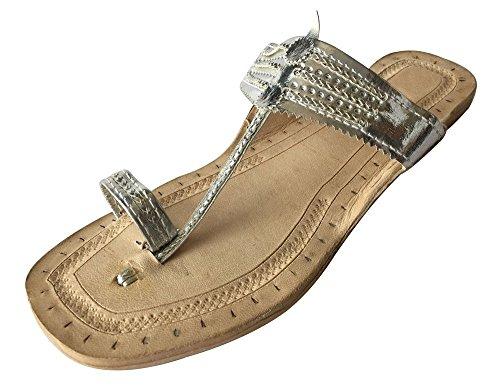 Schritt N Style indischen handgefertigt Leder Kolhapuri Slipper Mojadi jutti Kurti (begriffsklärung) Sandalen, Silber - hell silberfarben - Größe: 39 1/3