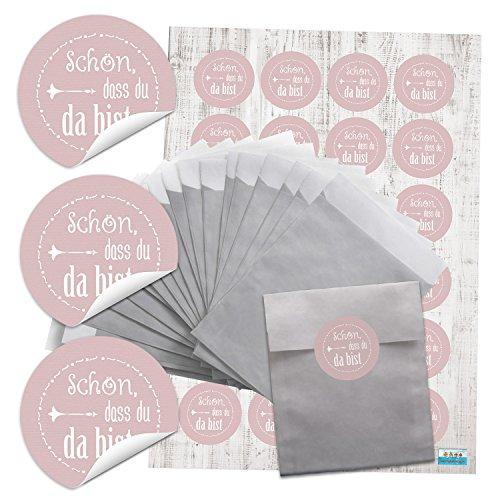 24 Stück kleine silber-farbene kleine Papiertüten Geschenktüten Geschenk-Verpackung (9,5 x 14 cm) +24 runde Aufkleber Sticker Schön, dass du da bist