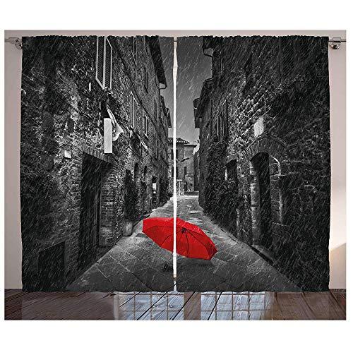 MUXIAND zwarte en witte keukengordijnen rode paraplu op een donkere smalle straat in Toscane Italië regenachtige winter raamdecoratie