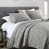 Quilt Set King Size Grey, Classic Geometric Diamond Stitched Pattern, Pre-Washed Microfiber Ultra Soft Lightweight Quilted Bedspread Coverlet for All Season, 3 Piece Includes 1 Quilt and 2 Shams