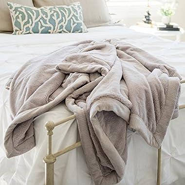 SARANONI Oversized Super Soft Comfy Lush 60  x 80  Adult Extra Large Blanket, (Feather)
