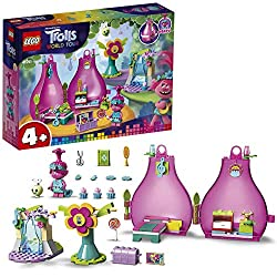 Includes Poppy minifigure and Trolls-inspired accessories:Map, hairbrush, lollypop, scissors, book, mandoline, hairpieces and cupcakes Features three play scenes: A portable travel toy pod with furniture, a felt flower a waterfall Poppy's treetop po...