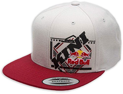 KINI Red Bull Slanted Cap – Trendige Snapback, Flexfit Kappe, Logo-Patch, Grafik Motiv-Cap, One Size, Größenverstellbar, Accessoires – Light Grey/Red