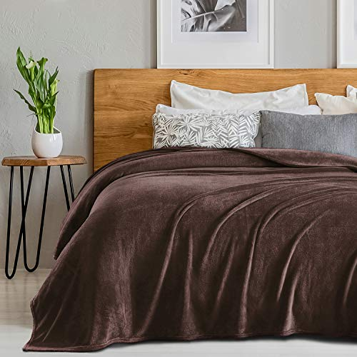 SEDONA HOUSE Flannel Fleece Blanket 280GSM Luxury Microfiber Flannel Super Soft Warm Fuzzy Cozy Lightweight Blanket for Bed Couch or Car Color Brown Size Queen 90'x90'