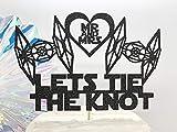 DKISEE Decoración para tartas de Star Wars Let'S Tie Fighter The Knot Decoración para tartas de boda, cumpleaños, decoración de tartas, suministros para niños o adultos, decoración de fiesta de 15 cm