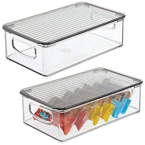 mDesign Organizador para nevera – Recipiente para guardar alimentos con tapa – Cajas organizadoras de plástico inocuo para cocina y despensa – Juego de 2 – transparente y gris humo