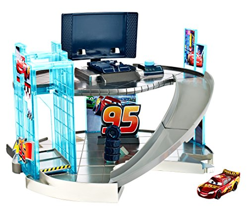 Mattel Disney Pixar Cars 3 - Rust-eze Racing Center Playset