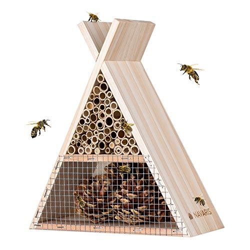 Navaris Bienenhaus dreieckig aus Holz - 22,5 x 21 x 8cm - naturbelassenes Insektenhotel für Bienen und Hummeln zum Aufhängen - Garten Bienenhotel