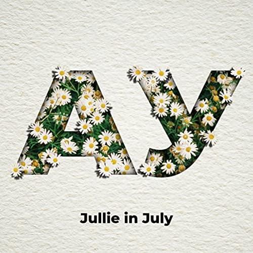 Jullie in July
