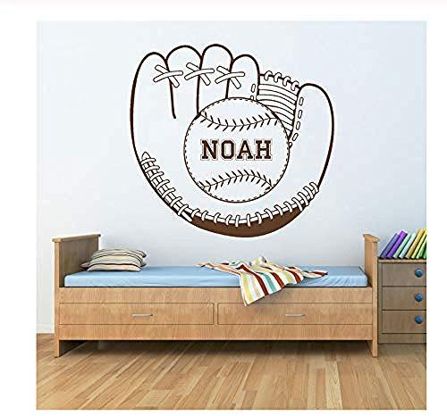 Adhesivo de pared creativo con diseño de guante de béisbol con bola de bola, pegatina de nombre, decoración para habitación de niños, regalo personalizado, fans de los deportes, calcomanía de vinilo de pared 60 x 57 cm