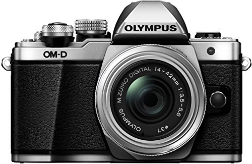 Olympus E-M10 Mark II Kit con Obiettivo M.Zuiko Digital 14‑42 mm 1:3.5‑5.6 II R, Argento