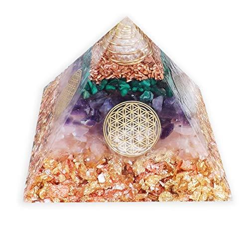 emotion & design Orgonit Pyramide - mit vielen Edelsteinen und Edelmetallen und Blume des Lebens