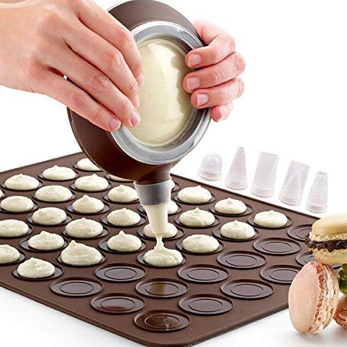 Vegena Tapis de Cuisson Macarons, Plaque à Macarons en Silicone 48 Coques Macaron Cuisson Tapis Moule avec 1 Poche à Douille et 4 Douilles de Formes Differentes (Marron)