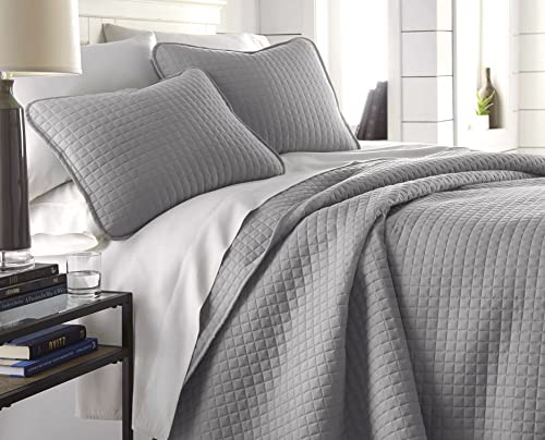 Vilano Springs, Premium Quality, Soft, Wrinkle, Fade, & Stain Resistant, Easy Case, Oversized Quilt Cover Set with 1 Quilt Set and 2 Shams, King / California King, Steel Grey
